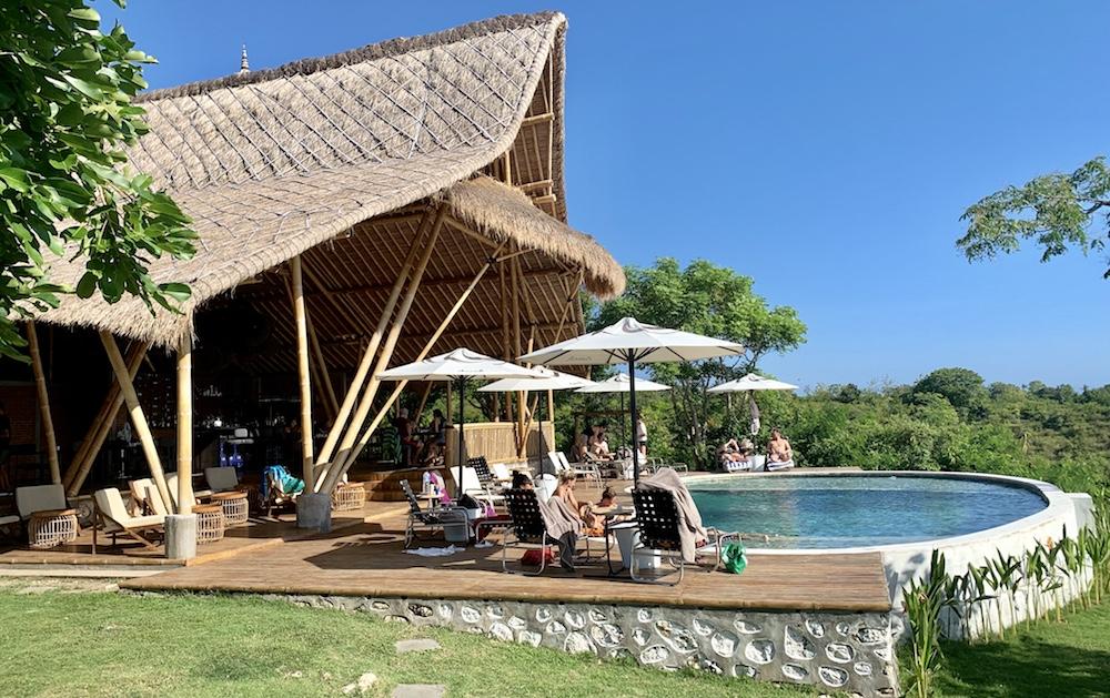 Amok sunset bar restaurant Gamat Bay Nusa Penida